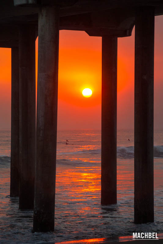 Hungtinton Beach al atardecer. California, Estados Unidos