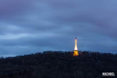Visita a la Torre Petrín en Praga, República Checa