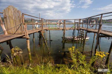 Embarcadero antiguo en Muros del Nalón, Asturias, España