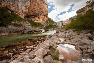 Foz de Lumbier, garganta formada por el río Lumbier en Navarra, España