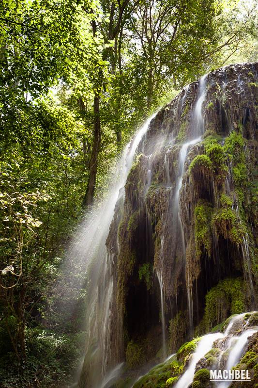 Monasterio de piedra el para so de las cascadas machbel for Cascadas para jardin piedra