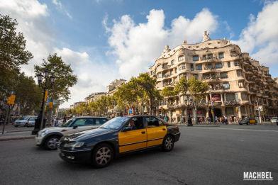 Casa Milá o La Pedreda, edificio diseñador por Antoni Gaudí, Barcelona, Cataluña, España