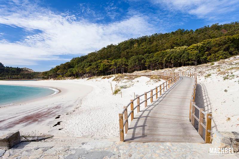 la playa de rodas en las islas cies