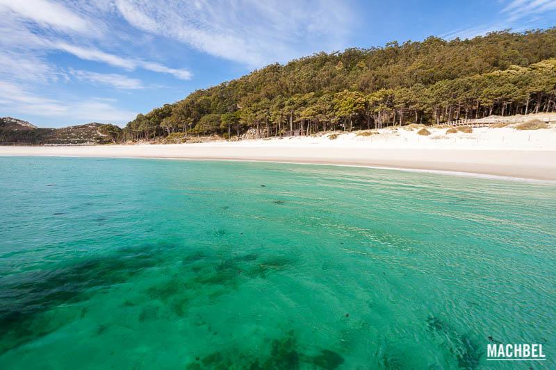 La mejor playa del mundo ?? Playa-de-Rodas-Parque-Nacional-de-las-Islas-Atl%C3%A1nticas-de-Galicia-Islas-C%C3%ADes