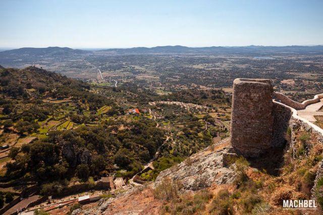 Campos de Extremadura Vistas a los campos y la dehesa extremeña desde el castillo de Montánchez Montánchez Extremadura 640x426 7 pueblos de Extremadura que tienes que visitar (parte I)
