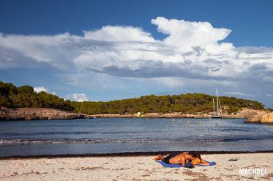 Cala Mondragó, con cala S´Amarador y Caló de sa Font de n´Alis. Paraje Natural con playa en Islas Baleares, España