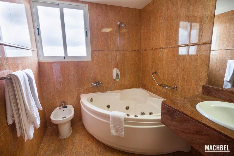 Baño con jacuzzi Hotel Amic Horizonte en Palma de Mallorca Islas Baleares España La blogroom del Hotel Amic Horizonte en Palma de Mallorca