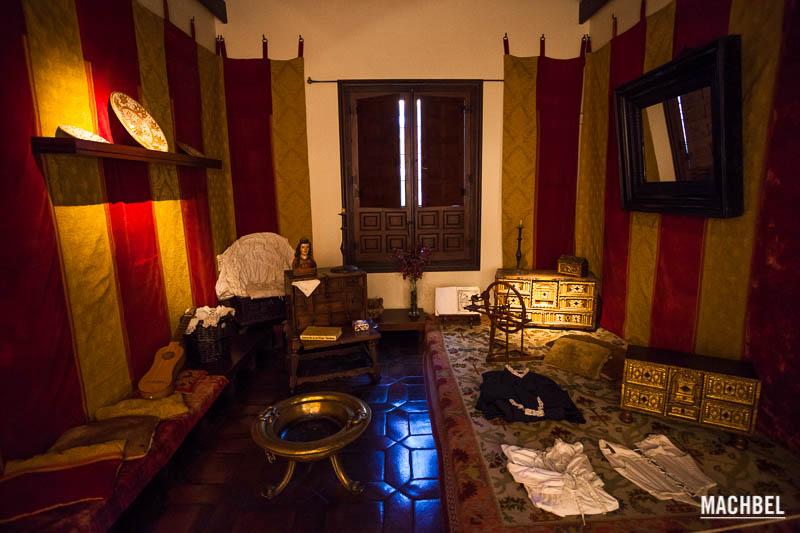 Visita a alcal de henares la casa de el quijote machbel - Casas regionales alcala de henares ...