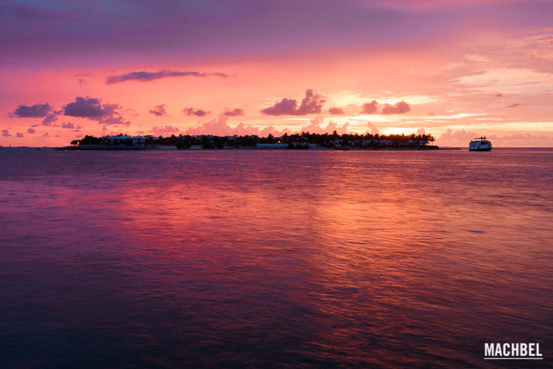 Atardecer rosado en Key West, Florida, Estados Unidos