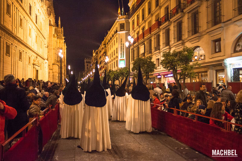 Semana Santa En Sevilla La Madruga Machbel