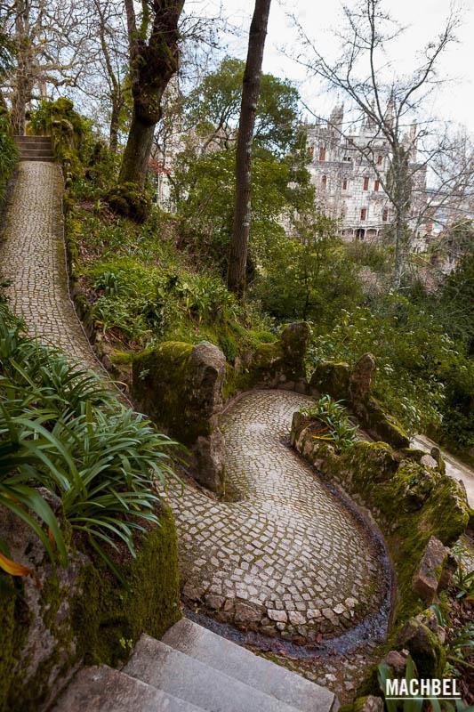 Sintra la capital del romanticismo y los palacios machbel for Jardines quinta da regaleira