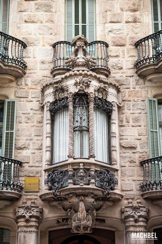 Obras de gaud a visitar en barcelona machbel - La casa de las lamparas barcelona ...