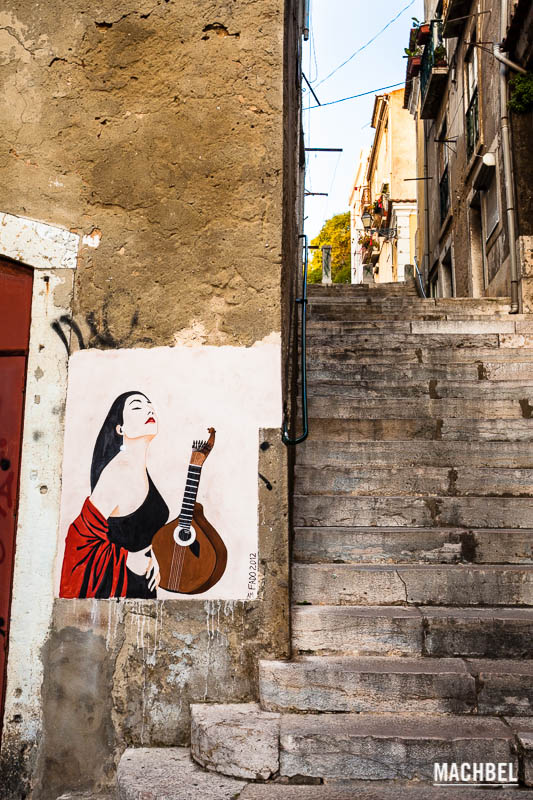 Fado en Lisboa, Portugal - by machbel