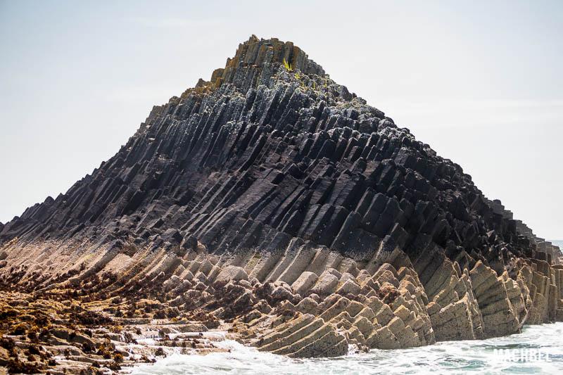 Isla de Staffa, tesoro natural en Escocia, Reino Unido - by machbel