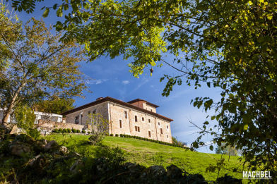 Palacio de Rubianes en Veredales Natural Resort, Asturias, España - by machbel