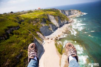 Volando en parapente sobre la costa de Gijón Asturias by machbel