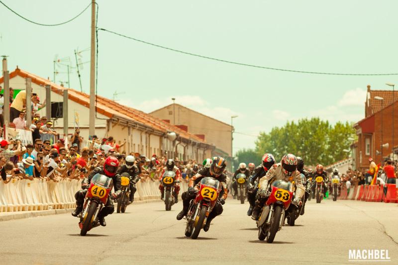 Circuito La Bañeza : Gp de la bañeza carreras de motos en plena ciudad machbel