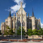 Palacio Episcopal de Astorga construido por Gaudí Castilla y León by machbel