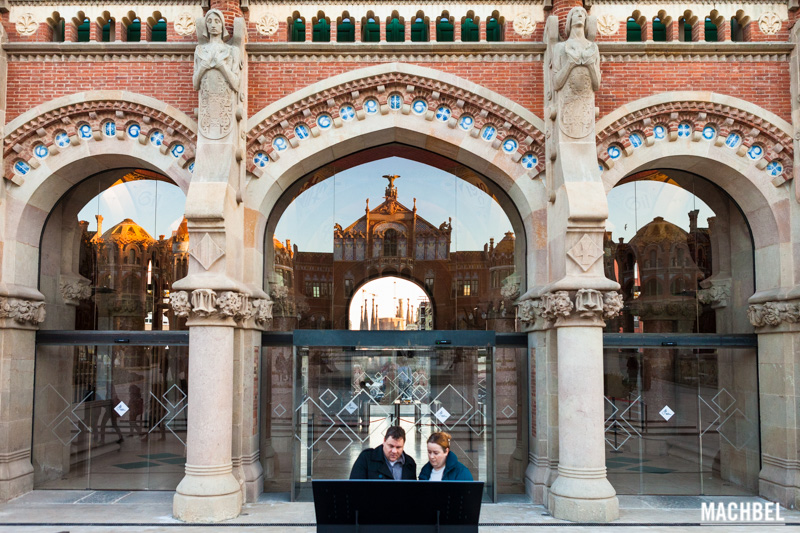 Visita al Hospital de Sant Pau, modernismo en Barcelona Cataluña España by machbel