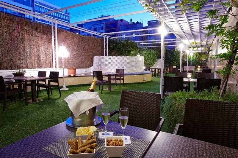 Hoteles de calidad en el centro de barcelona machbel for Hoteles en el centro de barcelona