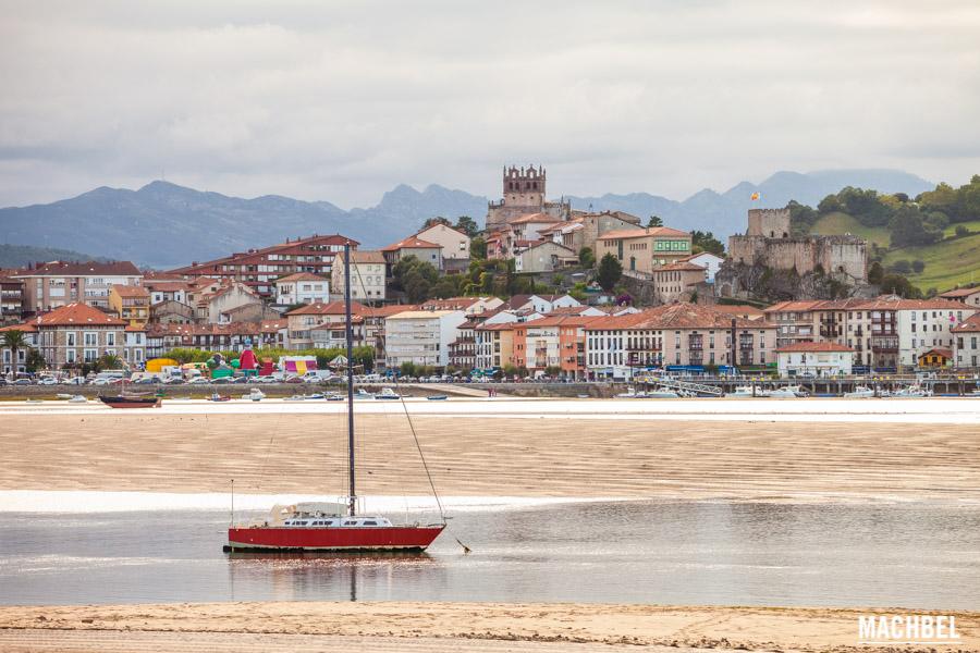 Panorámica de San Vicente de la Barquera y la ría