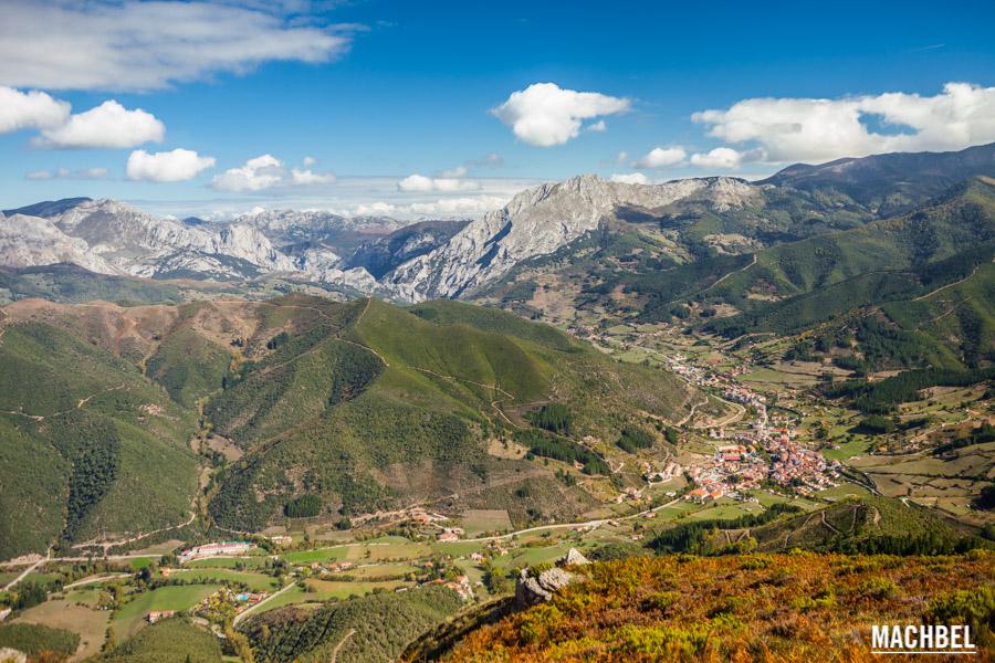 Valle de Liébana y Potes desde la montaña