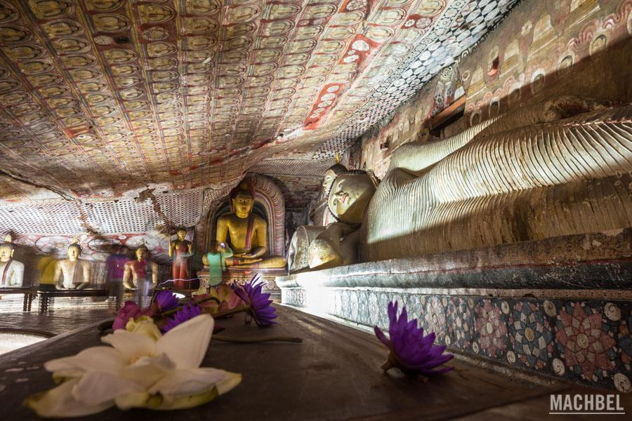 Resultado de imagen de templo budista en sri lanka