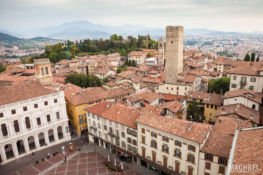 Vista aérea de la Plaza Vieja y Bérgamo