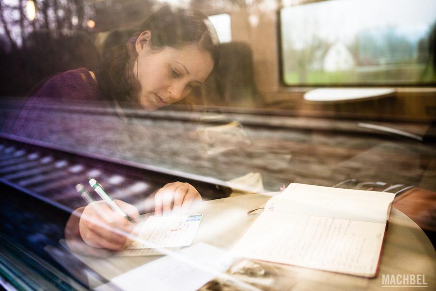 Escribiendo en el tren, una de las cosas buenas que tiene