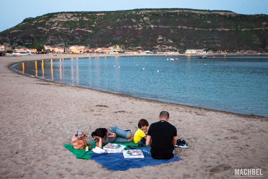 A parte de pasta también hay pizza en la playa