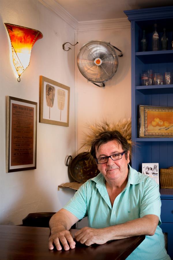 Tony Lopez, compositor de una de las canciones del verano más conocidas con su grupo Los Centellas