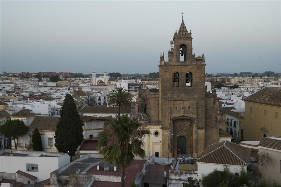 Iglesia de Santiago el Mayor vista desde la torre del castillo