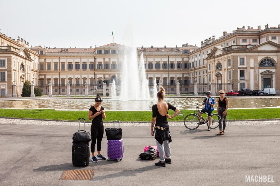 Entrada al palacio de la Villa Real de Monza