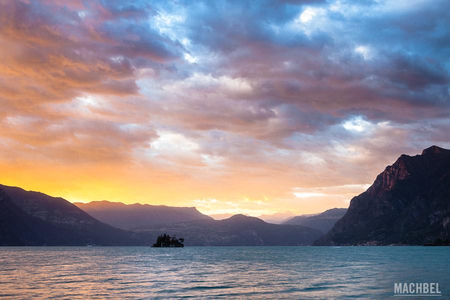 Atardecer sobre el lago Iseo