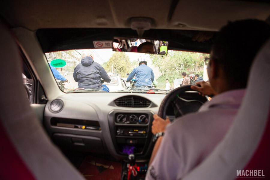 Taxi por las calles de Katmandú