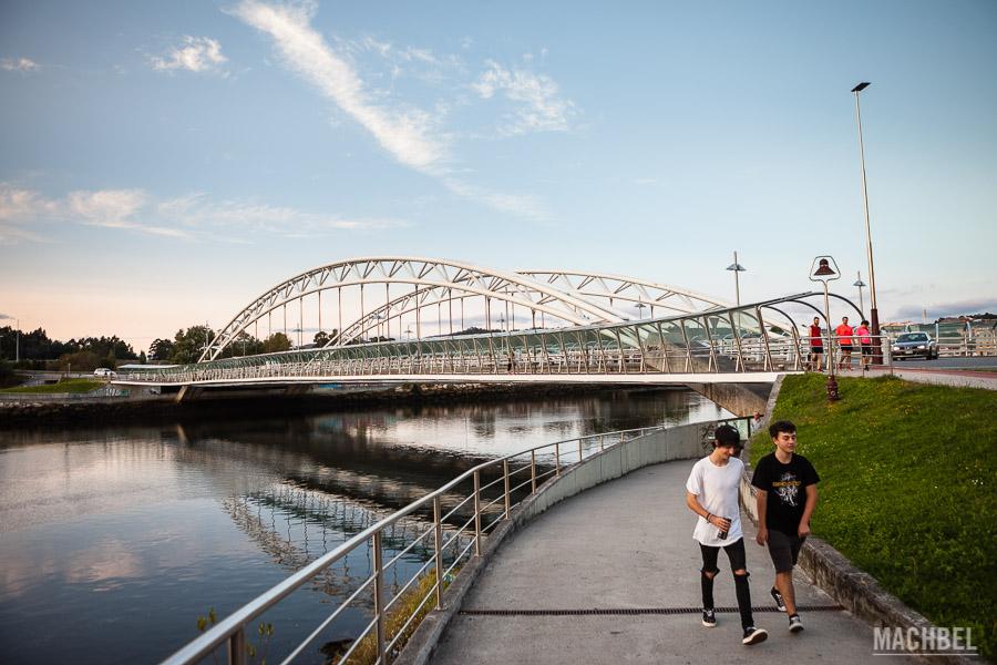 Puente de las corrientes y río Lerez