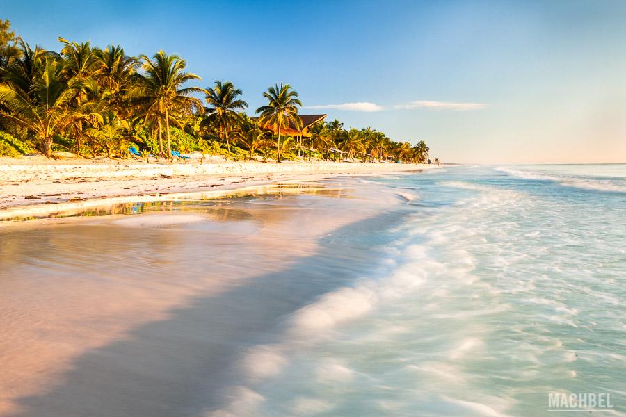 Costa de Tulum al amanecer