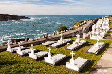 Már Cantábrico y cementerio de Luarca
