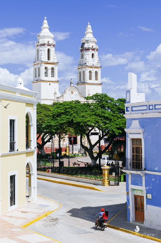 Calle de Campeche y Catedral