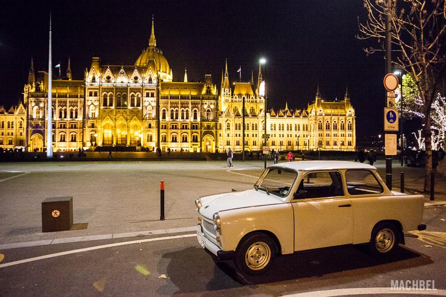 Trabant y parlamento de Budapest