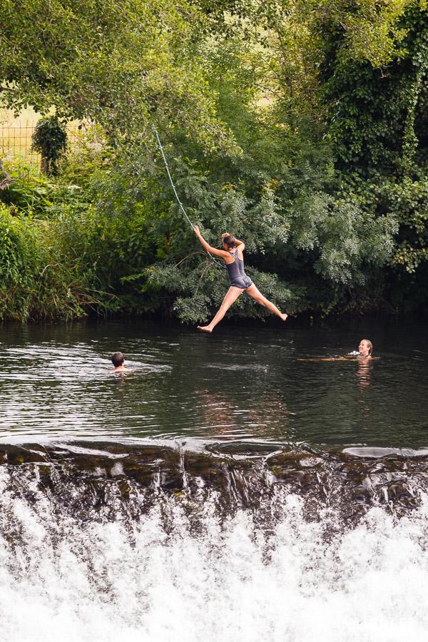Saltando al río Tambre