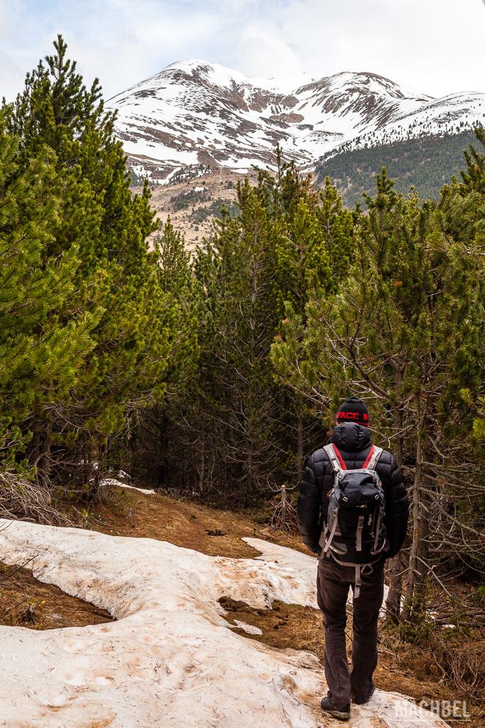 Caminando por la montaña de Andorra