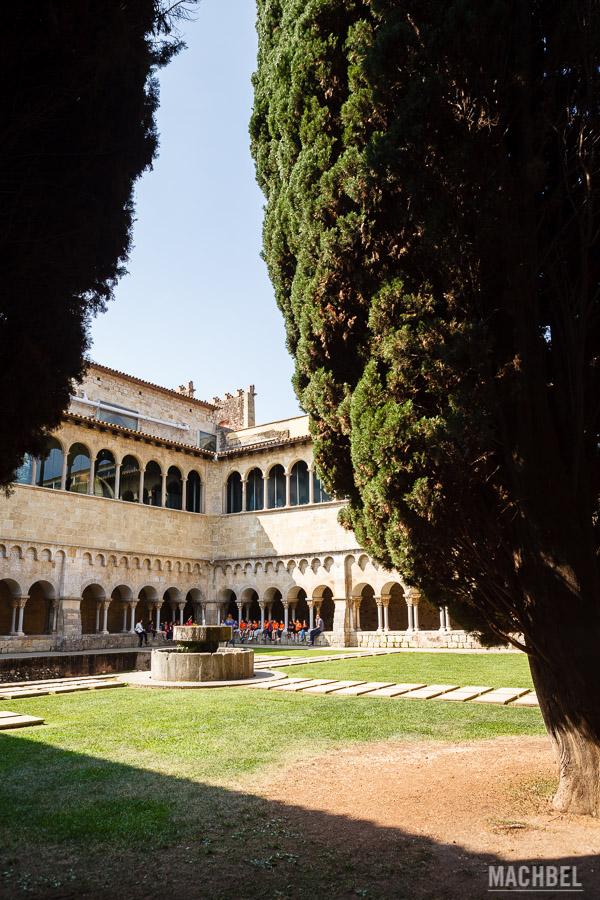 Claustro del Real Monasterio de Sant Cugat