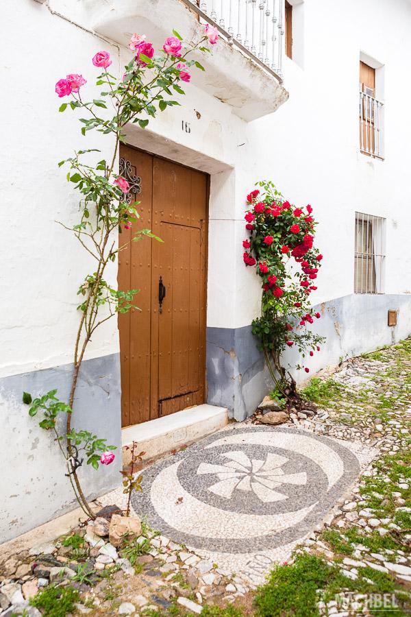 Entrada de casa en Linares de la Sierra