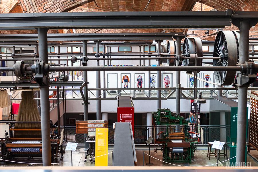 Interior del Museo de la ciencia y de la técnica de Cataluña