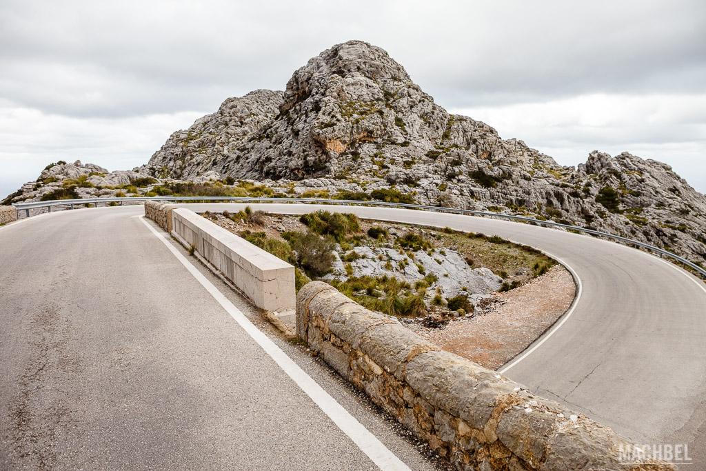 Curva 360 en la carretera a Sa Calobra