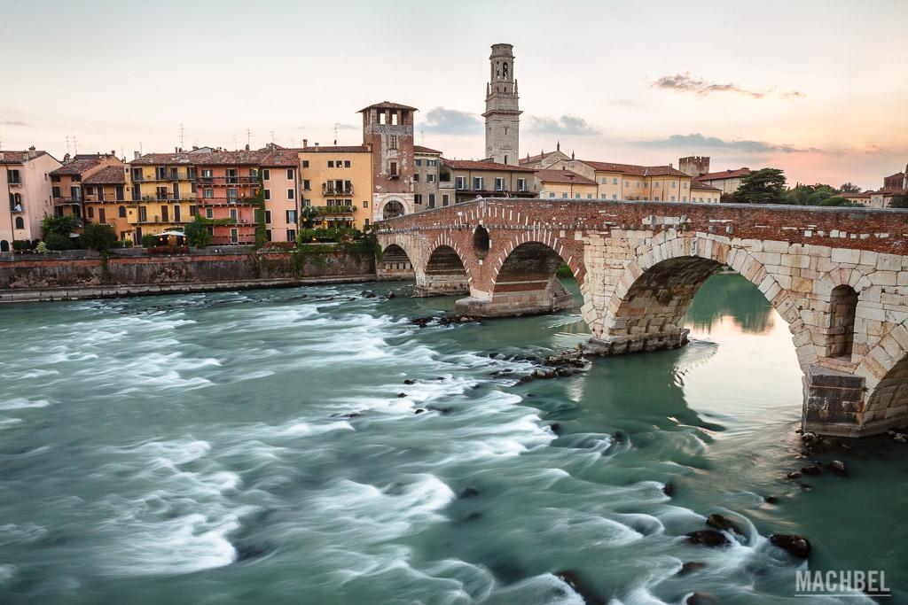 Ponte Pietra al atardecer