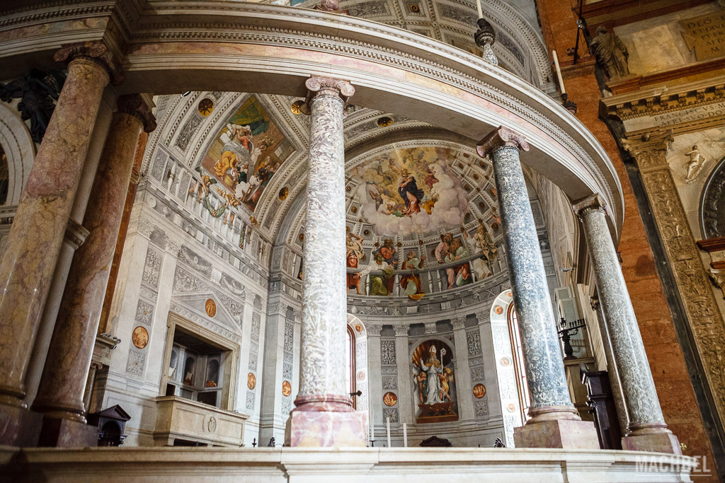 Retablo principal de la catedral