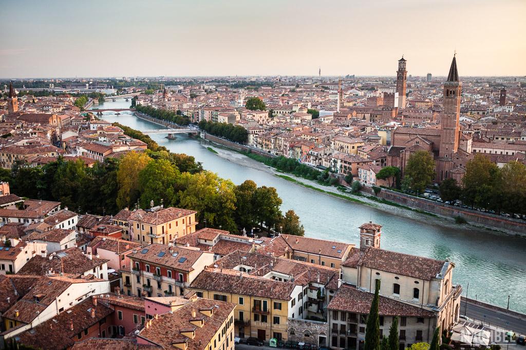 Verona al atardecer desde Castel S. Pietro