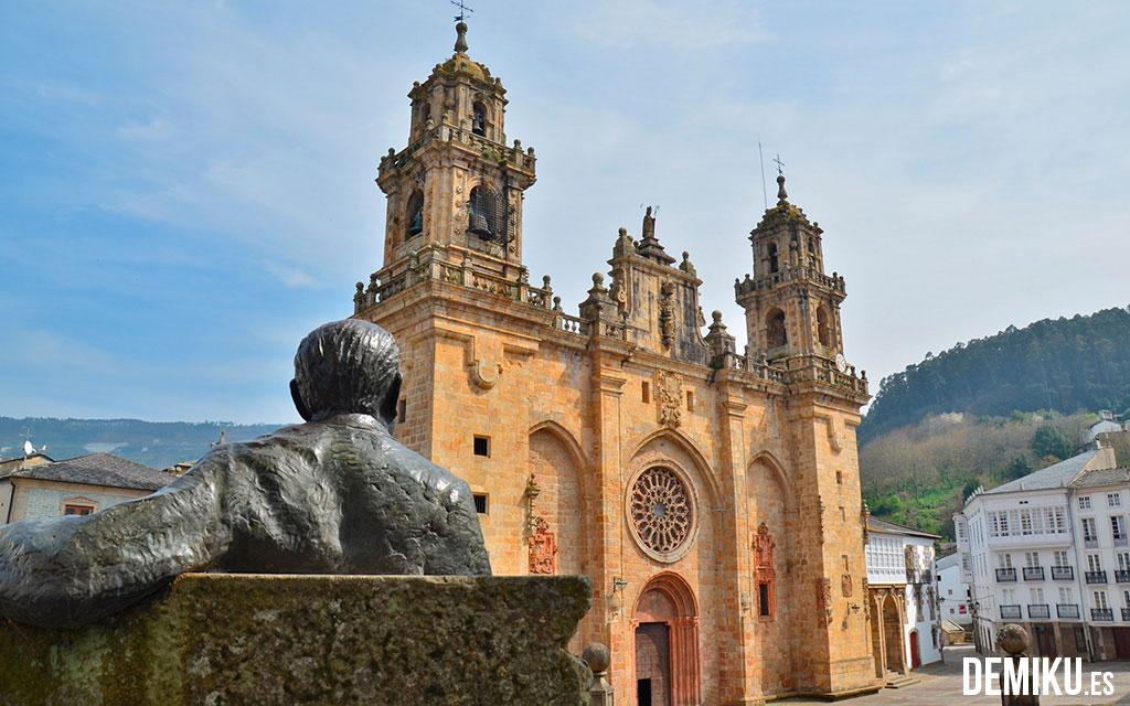 "Catedral de Mondoñedo. Cortesía de <a href=""http://www.demiku.es/"" target=""_blank"">deMiku</a>"